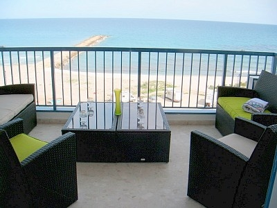Terrace wuth stunning sea views