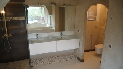 master bedroom'bathroom