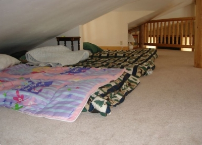 Sleeping Loft - Bedding Available for 6